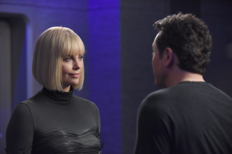 The Orville 105 - Pria - Pria (Charlize Theron) and Ed (Seth MacFarlane)