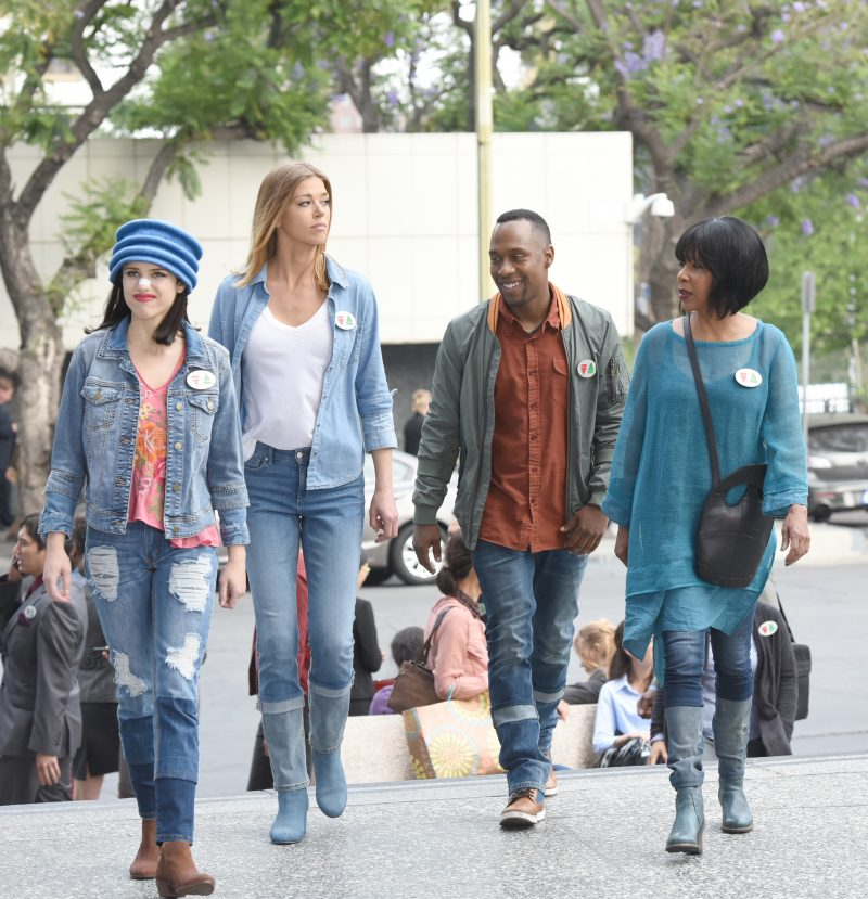 The Orville 107 - Majority Rule - Kelly (Adrianne Palicki) and others