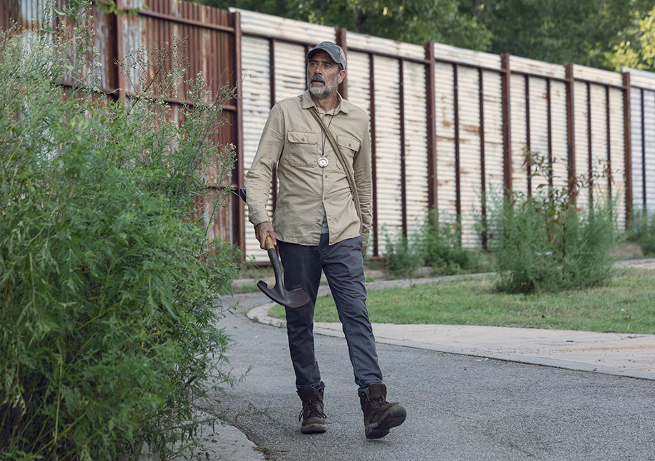 Negan (Jeffrey Dean Morgan) The Walking Dead Photo by Jackson Lee Davis (AMC)