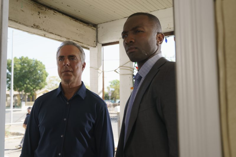 Bosch season 5 Titus Welliver (Harry Bosch) and Jerry Edgar (Jamie Hector) Photo by: Aaron Epstein/Amazon Prime Video