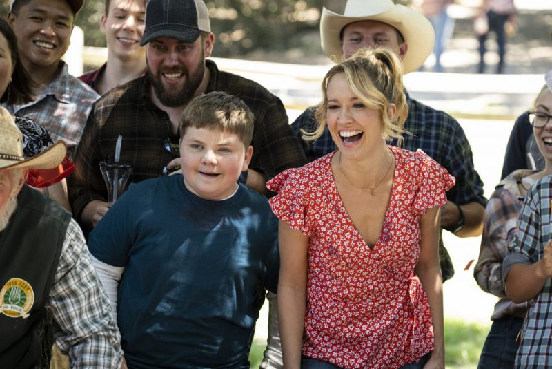 """PERFECT HARMONY -- """"Fork Fest"""" Episode 103 -- Pictured: (l-r) Spencer Allport as Cash, Anna Camp as Ginny -- (Photo by: Justin Lubin/NBC)"""