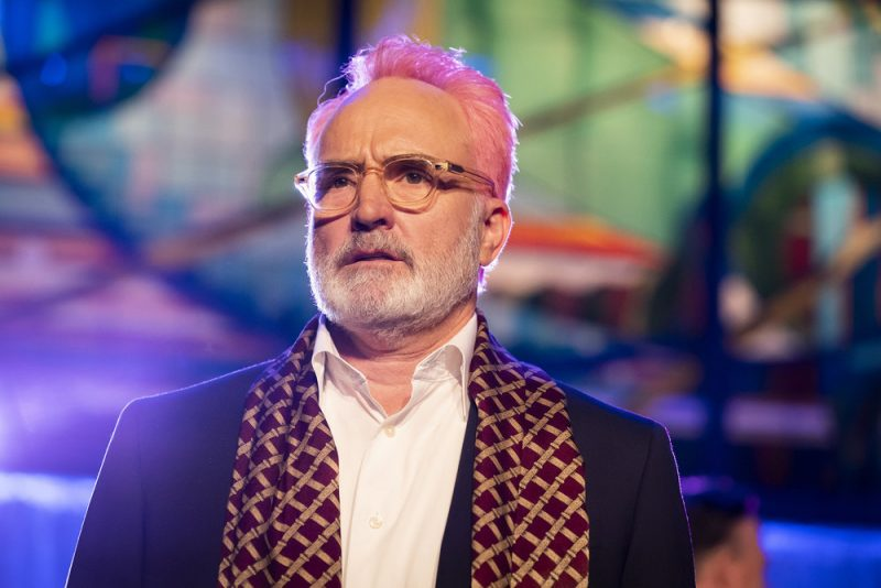 "PERFECT HARMONY -- ""Rivalry Week"" Episode 107 -- Pictured: Bradley Whitford as Arthur Cochran -- (Photo by: Justin Lubin/NBC)"