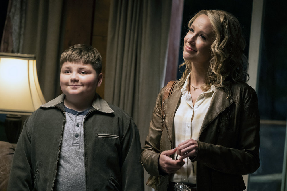 "PERFECT HARMONY -- ""No Time For Losers"" Episode 102 -- Pictured: (l-r) Spencer Allport as Cash, Anna Camp as Ginny -- (Photo by: Justin Lubin/NBC)"