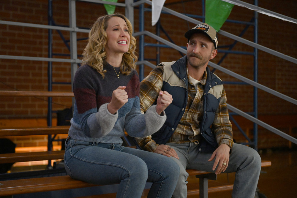"""PERFECT HARMONY -- """"Know When to Walk Away"""" Episode 111 -- Pictured: (l-r) Anna Camp as Ginny, Will Greenberg as Wayne -- (Photo by: Mitchell Haddad/NBC)"""