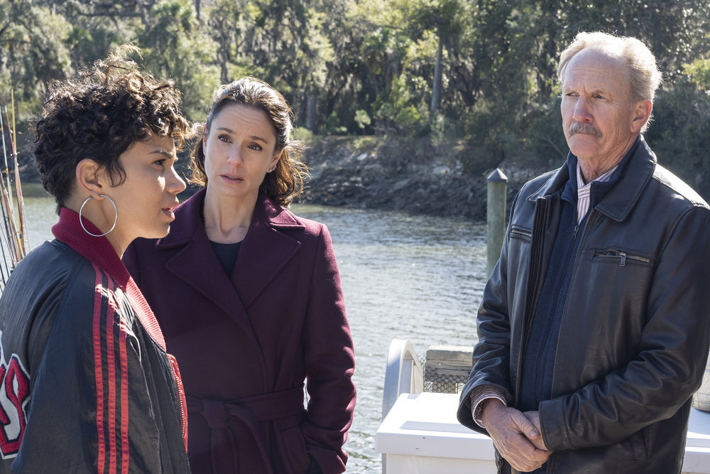 "COUNCIL OF DADS -- ""Dear Dad"" Episode 108 -- Pictured: (l-r) Michele Weaver as Luly Perry, Sarah Wayne Callies as Robin Perry, Michael O'Neill as Larry Mills -- (Photo by: Seth F. Johnson/NBC)"