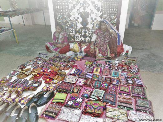 Tribals Selling Handicrafts at Ludiya Village, Gandhi Nu Gam