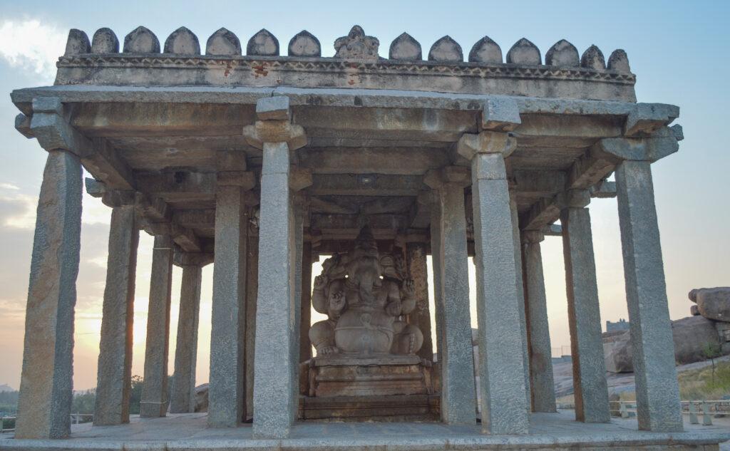 Sasivekalu Ganesha idol, Hampi
