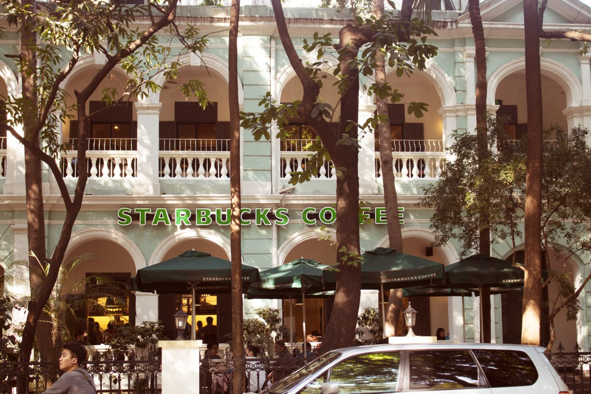 starbucks-listed-building-guangzhou