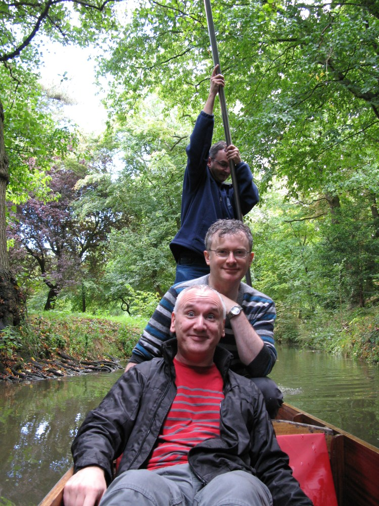 Punting in Oxford, and banjos (2/6)