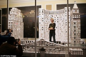 Maior castelo de cartas do mundo