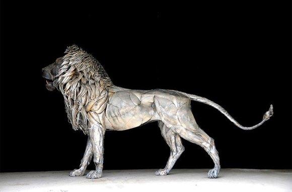 Leão de Metal - Escultura (1)