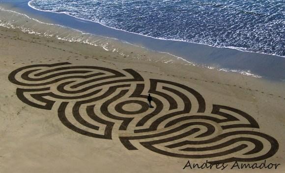 alien_graffiti_andres_amador[1]