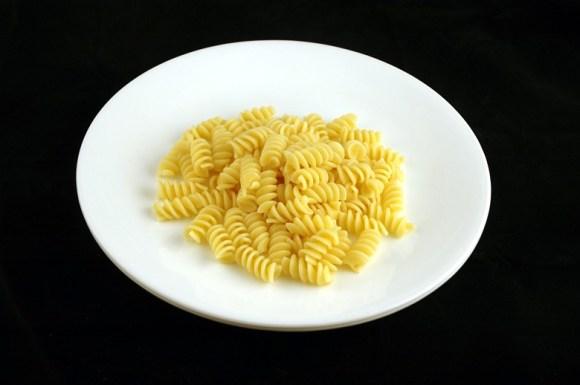 145 gramas de macarrão cozido
