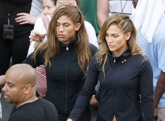 jennifer-lopez-and-stunt-double[1]