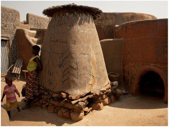 Casas pintadas - aldeia Tiebele (4)