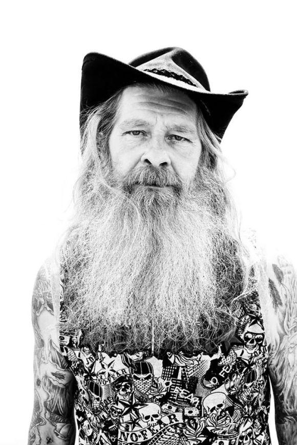 Pessoas mais velhas com tatuagem 11