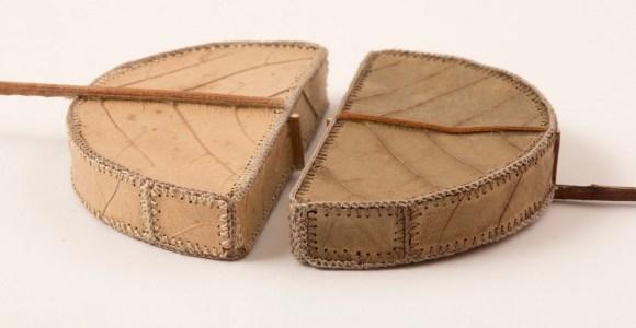 Ela costura folhas secas para transformá-las em improváveis obras de arte