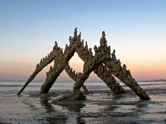 Esculturas de areia diferentes 13