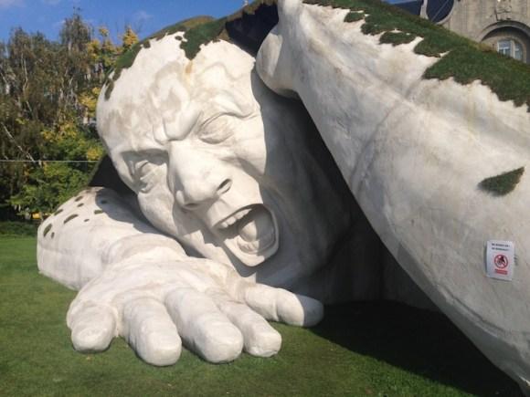 Escultura de um gigante 2