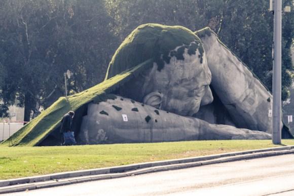 Escultura de um gigante 4