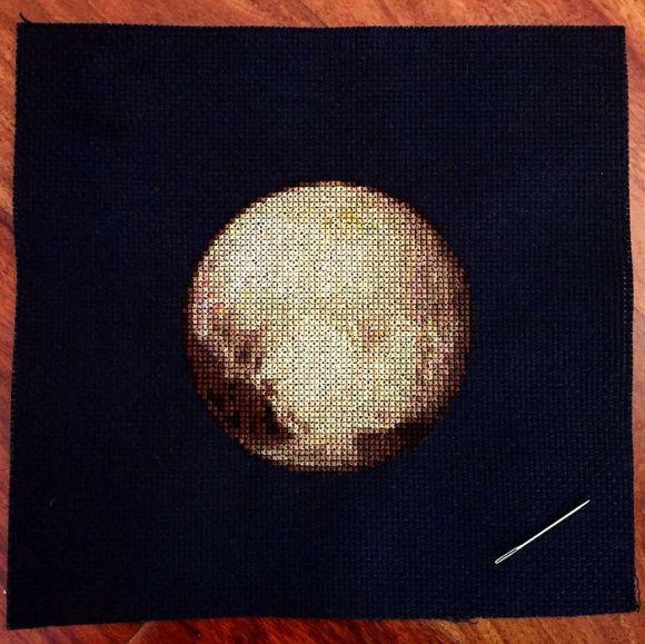Bordado de planetas - Plutão