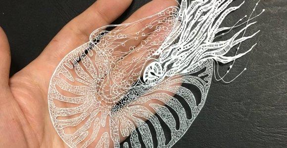 Artista cria figuras extremamente detalhadas cortando folhas de papel