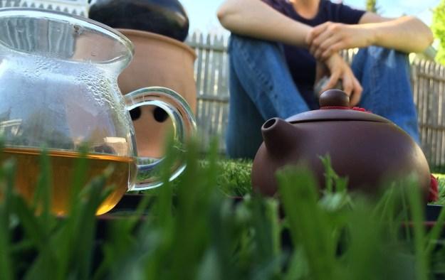 menghun-stove-tea-grass