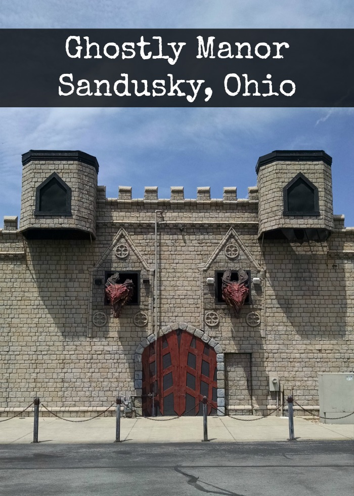 Ghostly Manor Sandusky, Ohio