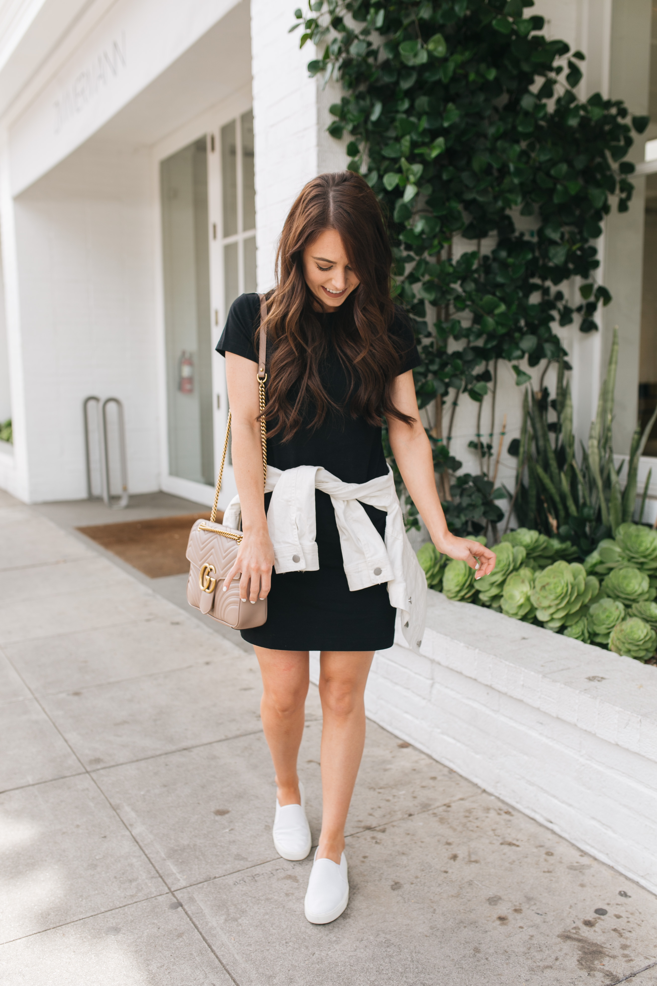4f0a6e12ad My second tip for styling t-shirt dresses is to keep it casual! They are one  of the most casual