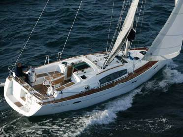 Sail with J.R. Atkins on Moorings 41.3 - 3 Cabin Monohull