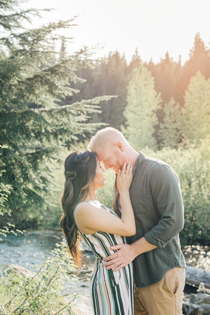 Gold Creek Pond Photography-Mountain Engagement Session-PNW Photographers-Something Minted Photography