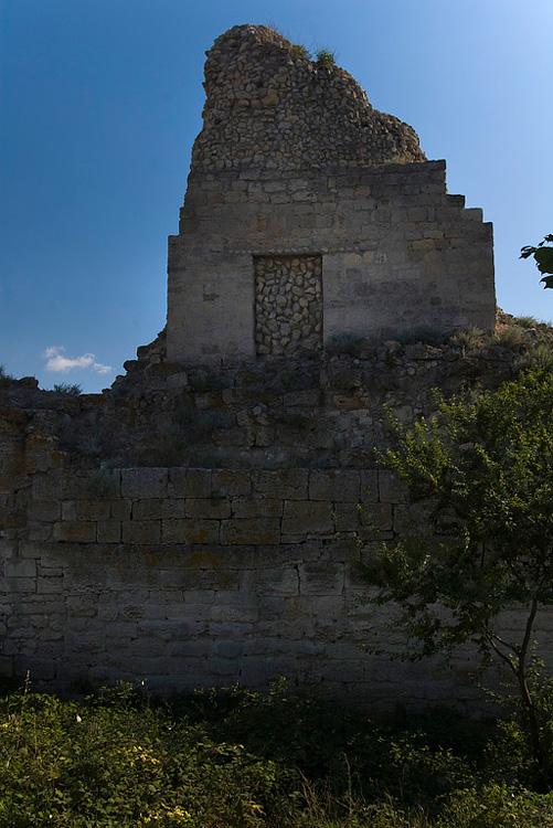 Руины городской стены