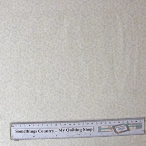 Quilting Patchwork Sewing Fabric GENTLE GARDEN CREAM TONAL FLORAL 50x55cmFQ NEW