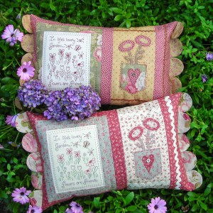 Quilting Sewing Cushion Pattern FLOWERS ARE FRIENDS Sally Giblin Rivendale Collection NEW