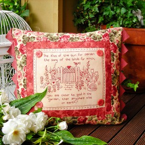 Quilting Sewing Cushion Pattern KISS OF THE SUN Sally Giblin Rivendale Collection NEW