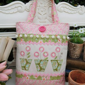 Quilting Sewing Bag Pattern POTTED BUMBLEBEE Sally Giblin The Rivendale Collection NEW
