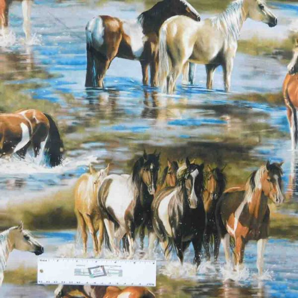 Patchwork Quilting Sewing Fabric UNBRIDLED HORSES 50x55cm FQ New Material