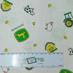 Patchwork Quilting Sewing Fabric JOHN DEERE TRACTORS ANIMALS 50x55cm FQ New