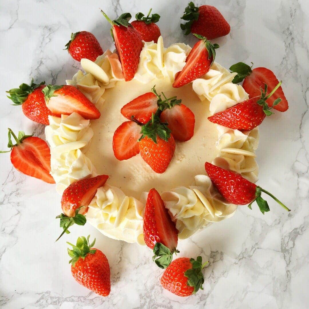 Vanilla, lemon, elderflower and strawberry cake