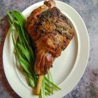 Easy roast Lamb with wild Garlic and Rosemary