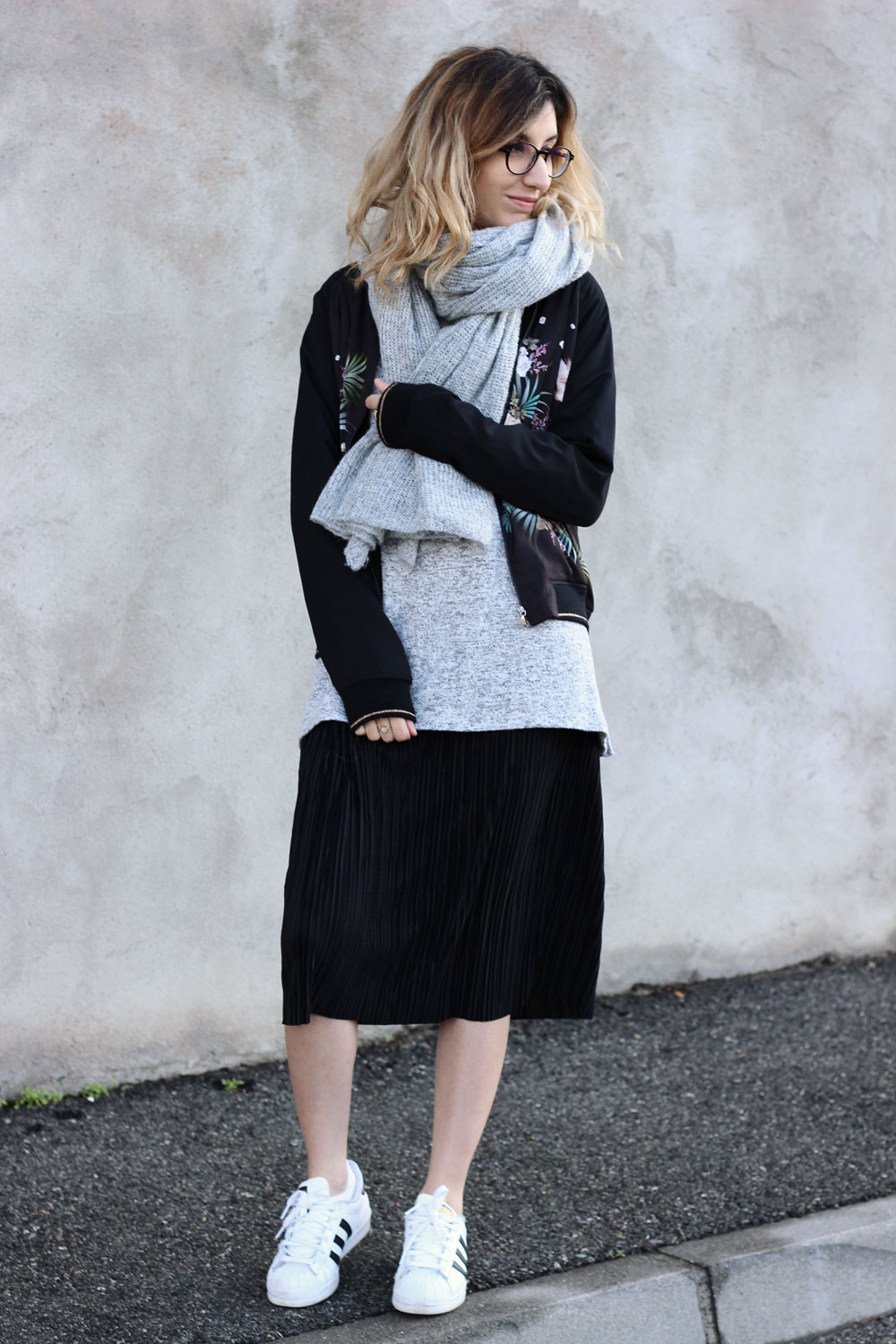 look-layering-jupe-plissee-pull-oversize-blogmode