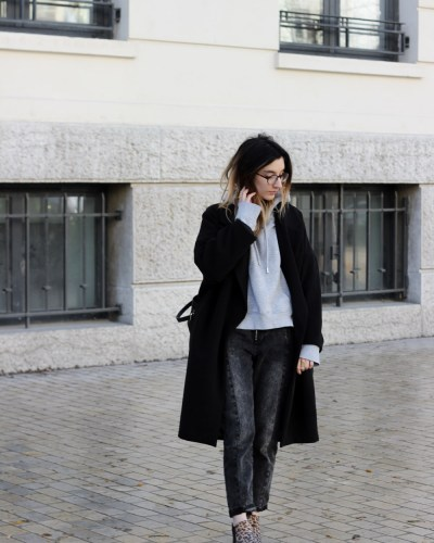 Oversized coat & sweatshirt