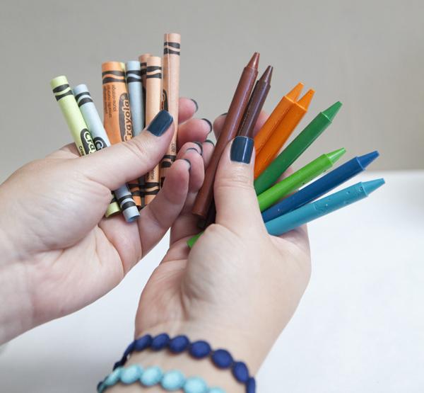 DIY kids wedding favor personalized alphabet crayons