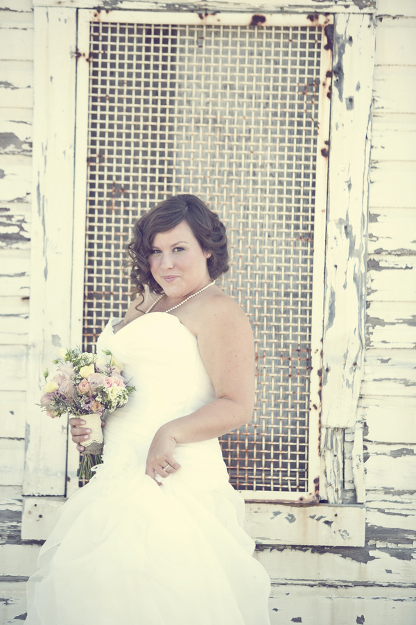 ST_Red_Bloom_Photography_rustic_wedding_8