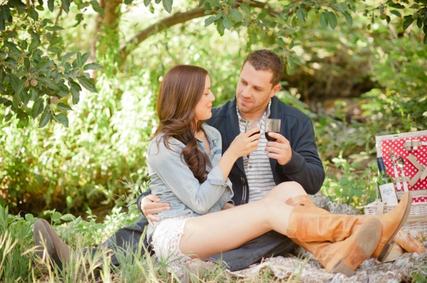 ST_Marcella_Treybig_Photography_orchard_engagement_0022.jpg