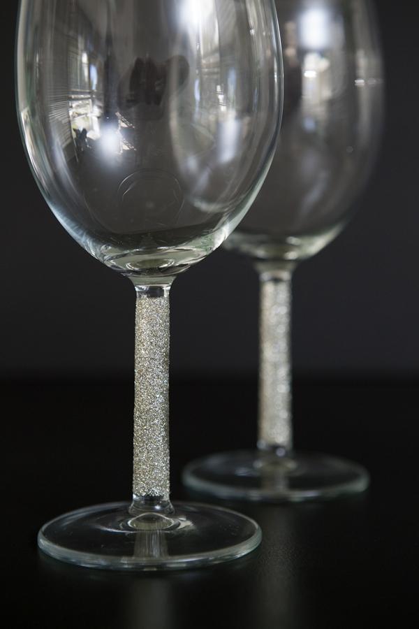 ST_DIY_glittered_wine_champagne_glasses_0013.jpg