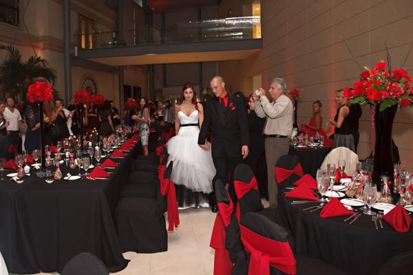 ST_Carrie_Wildes_Photography_halloween_wedding_0033.jpg