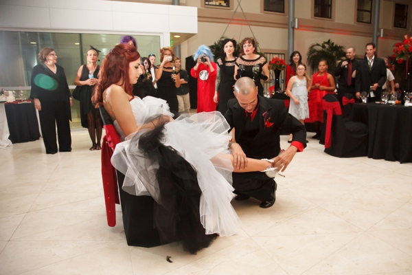 ST_Carrie_Wildes_Photography_halloween_wedding_0038.jpg
