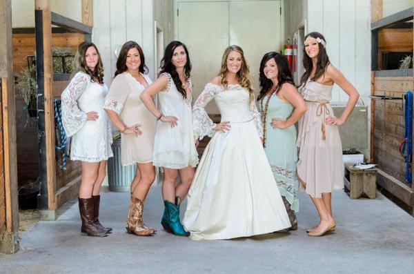 ST_Elizabeth_Henson_Photos_rustic_DIY_wedding_0004.jpg
