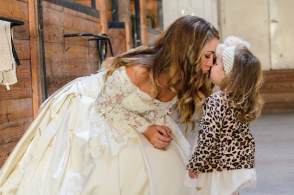 ST_Elizabeth_Henson_Photos_rustic_DIY_wedding_0007.jpg